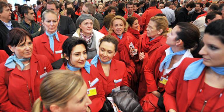 AUA meldet 3.000 Bord-Mitarbeiter um