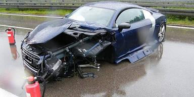 Fahranfängerin (18) schrottet 540-PS-Audi