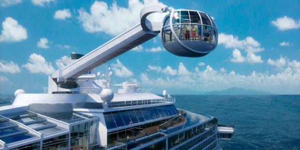Aussichtsgondel am Kreuzfahrtschiff