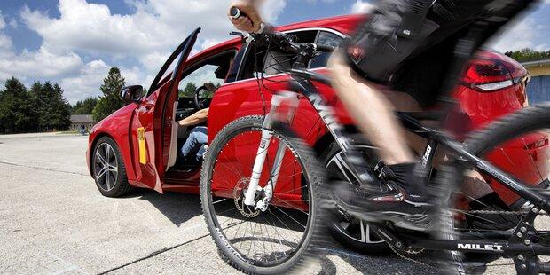 Ausstiegswarner neuer Autos im Test
