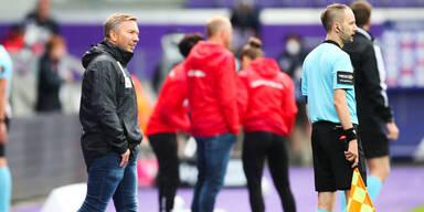 Austria Wien mit Trainer Manfred Schmid