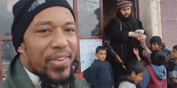 Austro-Islamist verteilt Zuckerln an Kinder