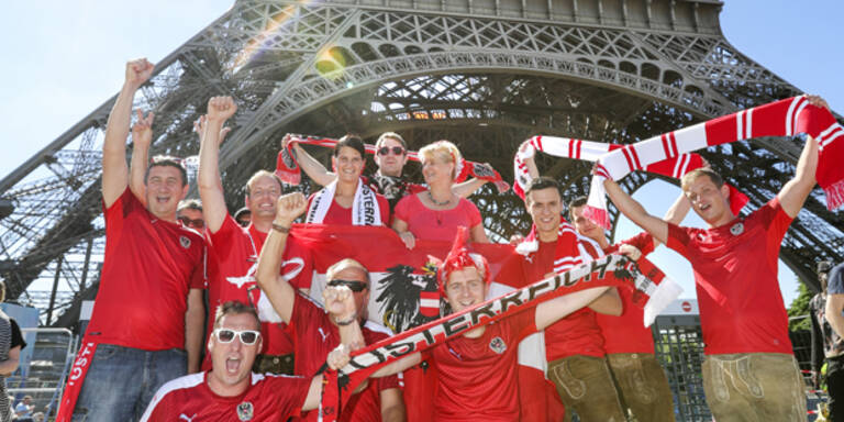 30.000 rot-weiß-rote Fans in Paris
