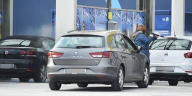 So oft waschen Österreicher ihr Auto
