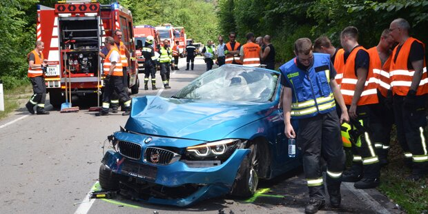 Cabrio-Unfall! Lenker aus Auto geschleudert – tot