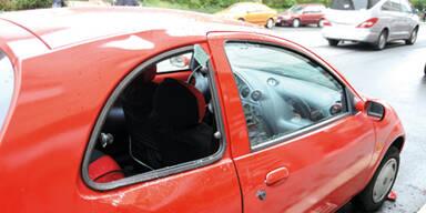 Student (20) stürzt 14m tief auf Auto