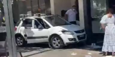 Marbella: Auto rast in Fußgänger