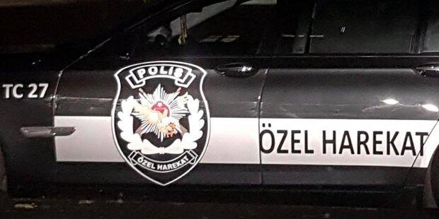 Berlin: Auto mit türkischem Anti-Terror-Emblem gesichtet