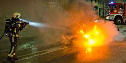 Auto brannte lichterloh mitten in Baden