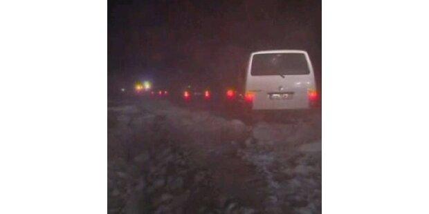 Hunderte saßen auf Autobahn fest
