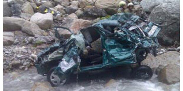 Zwei Tote nach Autoabsturz bei Reutte