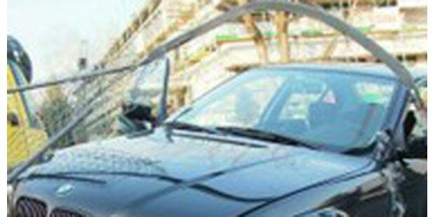 Fahranfänger flog mit Auto 50 Meter durch die Luft