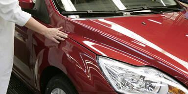 Wunder-Lack: Nie wieder Kratzer am Auto