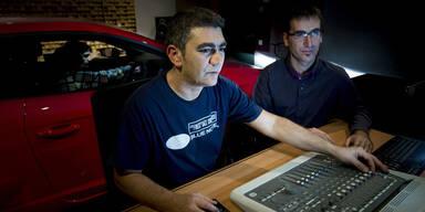 Hacker können Autos komplett übernehmen