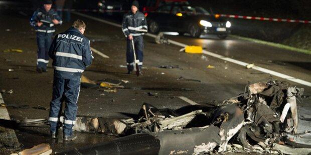 Hubschrauber stürzt auf deutsche Autobahn