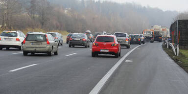 CO2-Ausstoß neuer Autos ging um 3,3% zurück