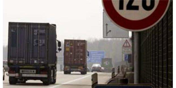 13.000 Bierflaschen blockierten deutsche Autobahn