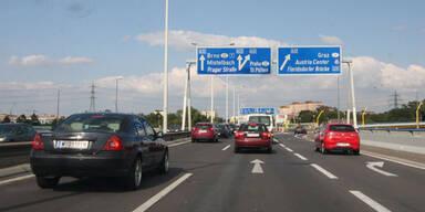 """Straße """"spricht"""" mit Autos in Echtzeit"""