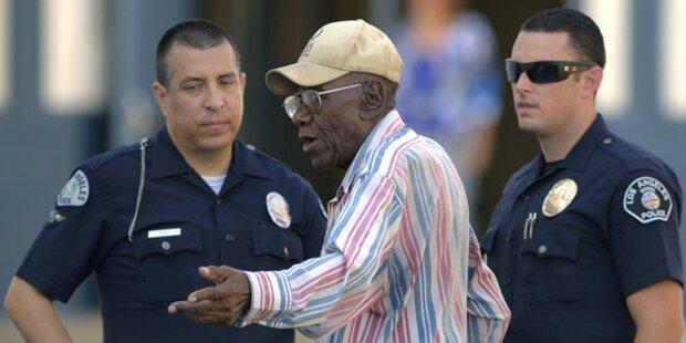 101-jähriger Autofahrer fährt 9 Kinder an