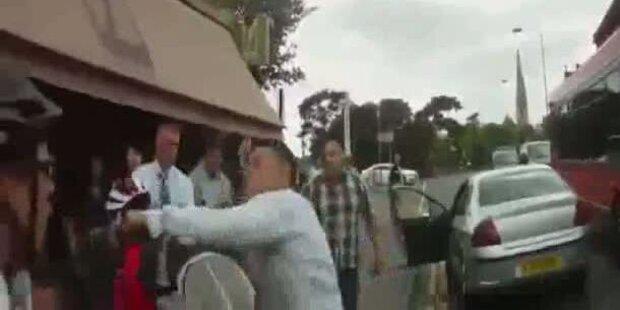 Autofahrer schlägt Radler brutal nieder