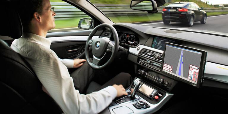 BMW schickt autonome Autos durch München