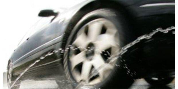Salzburgerin vom eigenen Auto überrollt