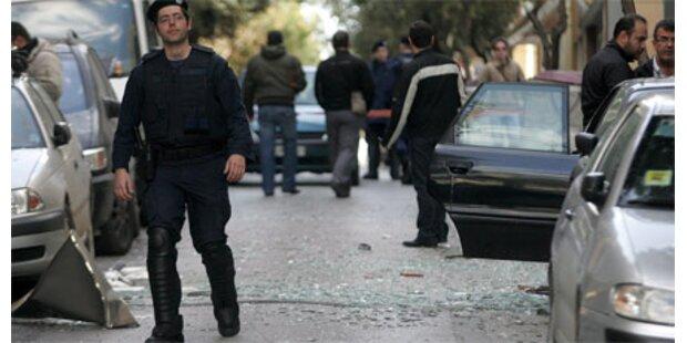 Bombe erschüttert Zentrum von Athen