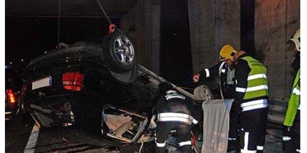 21-Jähriger bei Auto-Crash getötet