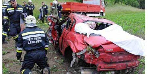 Verkehrsunfall forderte zwei Tote
