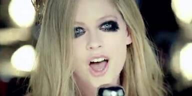 """Avril Lavigne: """"Here's To Never Growing Up"""""""