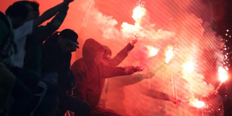 Pyro-Wahnsinn stoppte Derby
