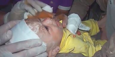 Syrien: Baby aus Trümmern befreit