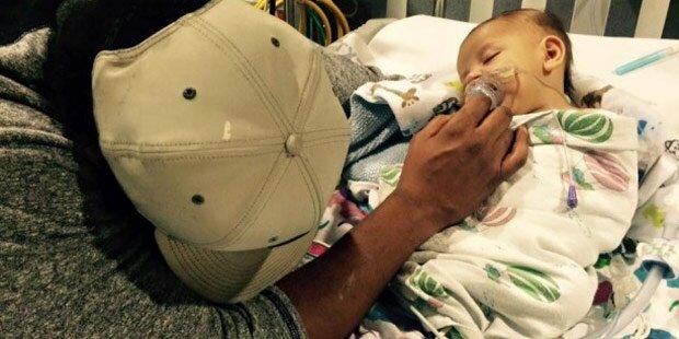 Es lag schon im Sterben - neues Herz rettet Baby das Leben.