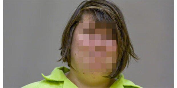Verrückte schnitt Frau Baby aus dem Leib