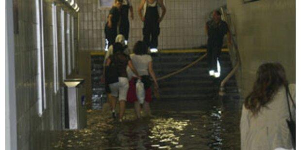 Feuerwehren in NÖ im Dauer-Regeneinsatz