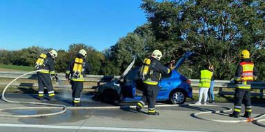 Auto geht in Flammen auf: Stau auf der A2