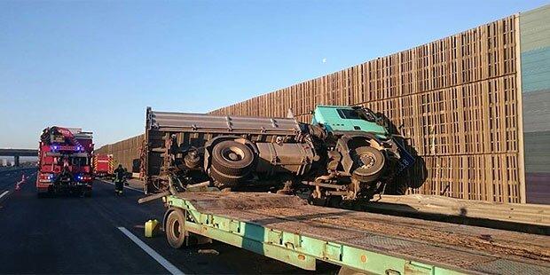 Lkw-Crash auf der Südautobahn