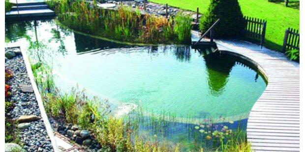 Kind trieb im Teich: Gerettet