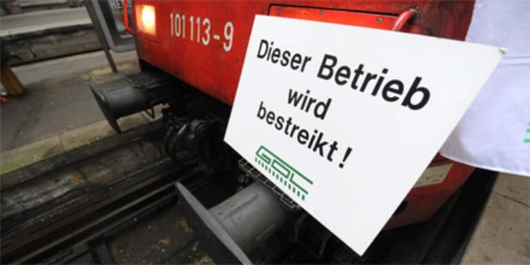 Lokführer legen deutsche Bahn lahm