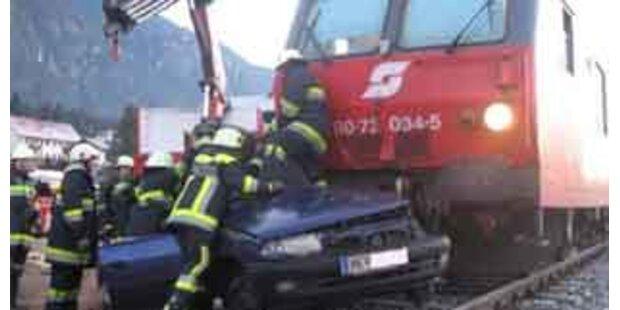 Junge Mutter in Kärnten bei Crash mit Zug getötet