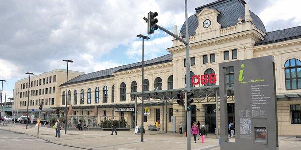 Bahnhof St. Pölten komplett im Dunkeln