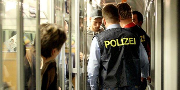 Betrunkener schlug Polizist ins Gesicht