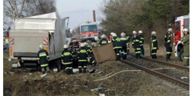 Wieder ein Toter bei Unfall auf Bahnübergang in NÖ