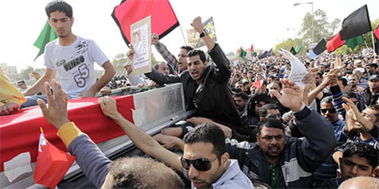 """""""Märtyrer-Begräbnisse""""  und Demos in Bahrain"""