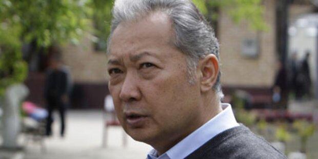 Massenmord: Präsident Bakijew angeklagt
