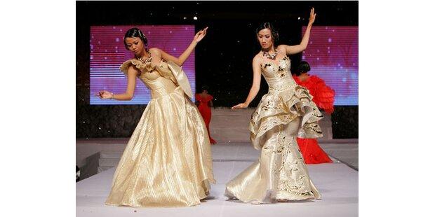Eleganz und Prunk bei Fashionshow in Bali