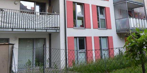 2-Jährige stürzt vom Balkon: Lebensgefahr