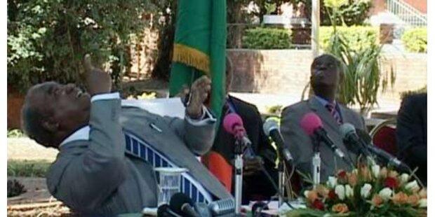 Affe urinierte auf Sambias Präsidenten
