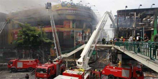 Weitere Unruhen in Bangkok: Tote in Tempel