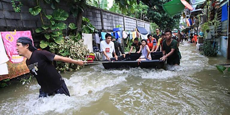 Flutdämme in Bangkok hielten